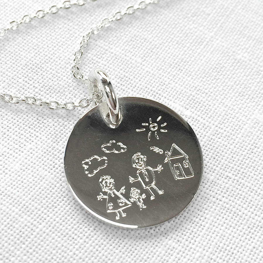 engrave a drawing on a necklace