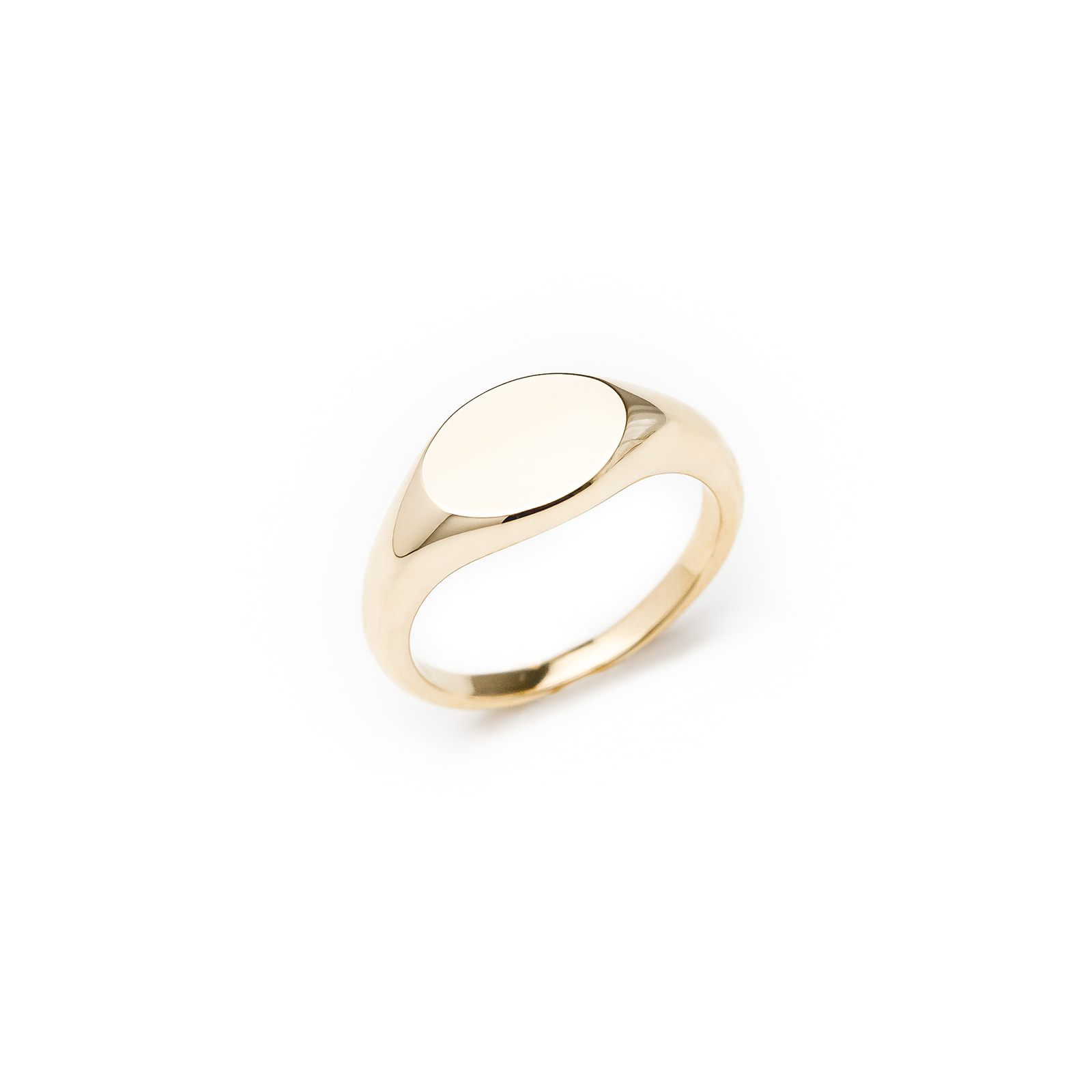yellow gold signet ring to engrave
